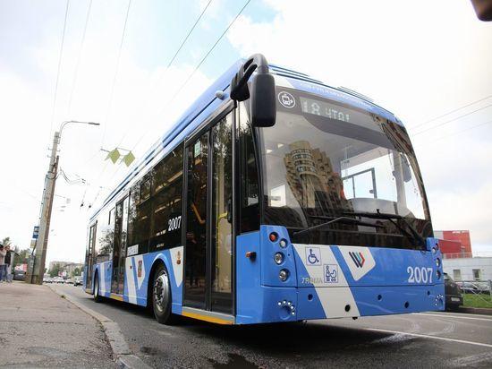 Петербуржцы начали активно пересаживаться на трамваи и троллейбусы