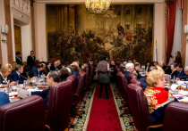 Хотя президент и внес уже в Госдуму свой законопроект о поправке в Конституцию, рабочая группа по внесению изменений в Основной закон во вторник все равно собралась