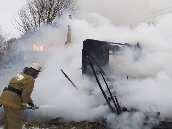 Жилой дом сгорел под Мещовском
