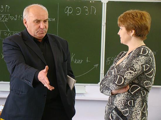 Учителя в Бурятии опасаются, что путинские 5 тысяч получат не все классные руководители