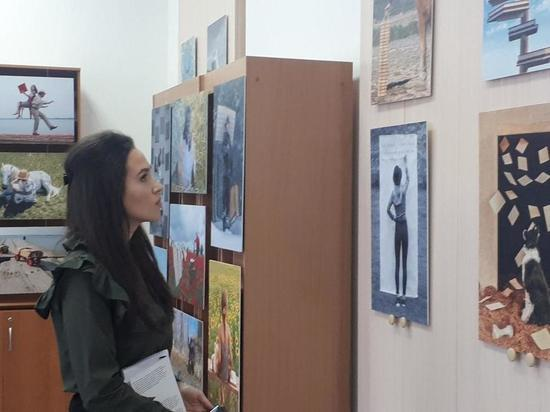 В Усть-Куте открылась выставка французского фотографа
