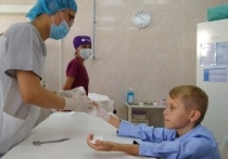 Восьмилетний подросток из Томска сыграл мелодию на флейте для врачей, спасших его руки