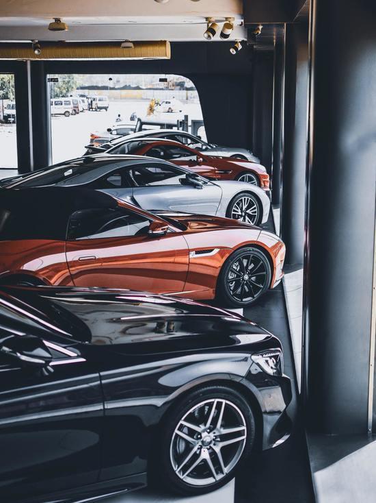 В России чаще всего берут автокредиты на покупку отечественных машин