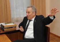 Председатель Верховного Совета Хакасии адаптировал для понимания доклад Олега Иванова