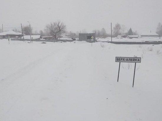 Снегопады отрезали от цивилизации три алтайских села