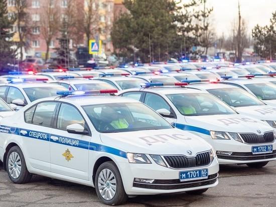 Беспрецедентное количество новых машин получила Госавтоинспекция в Пскове