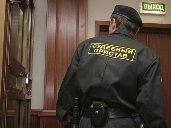 Пожилая москвичка взяла в заложники маленького внука и угрожает самоубийством