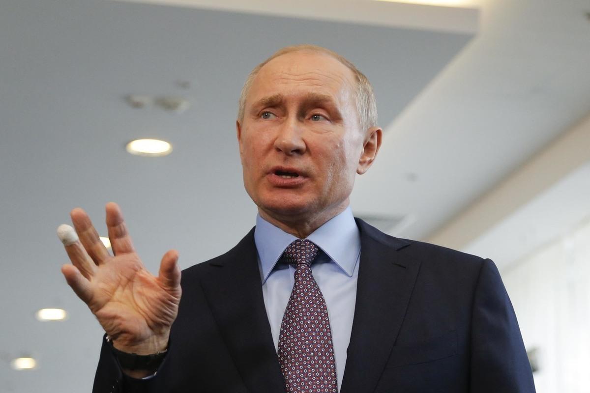 Путин рассказал басню про корыто