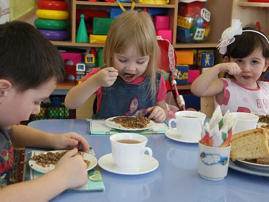 Сумма суточного питания в детсадах Махачкалы – 120 рублей