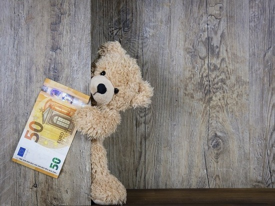 Власти Испании повысили МРОТ до €950 в месяц