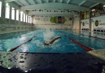 В Абаканском спортивном клубе умер посетитель бассейна