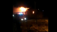 Астрахань в огне: один из ночных пожаров попал на видео