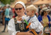 Исследование Oxfam: Немецкие женщины вполовину беднее мужчин