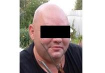 Задержан грузчик-педофил, который щупал школьниц под видом полицейского