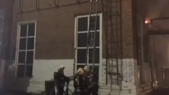 Как пожарные тушили астраханский завод: кадры с места происшествия