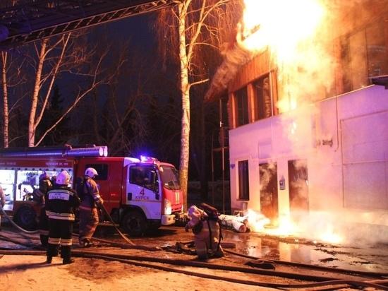 В центре Курска сгорело кафе «Мимино»