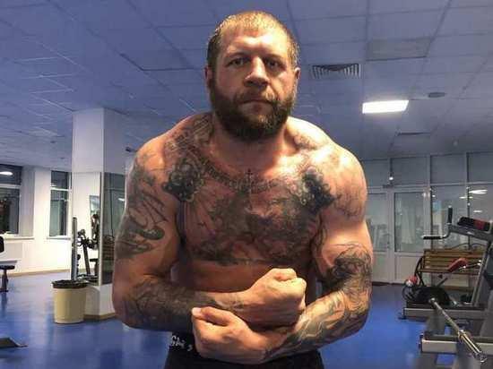 Суд не стал сокращать срок ареста Александру Емельяненко