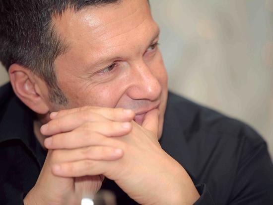 Соловьев жестко осудил премьера Украины за лозунг Бандеры в Давосе