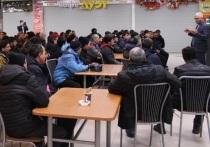 Мигрантам в Екатеринбурге рассказали, как не попасть на крючок террористов и сектантов