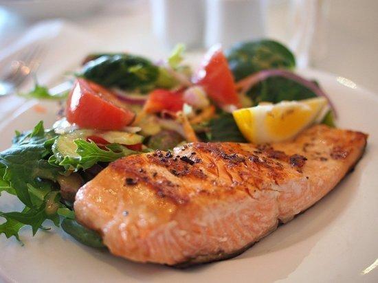 Диетолог заявил о серьезной опасности от поедания рыбы