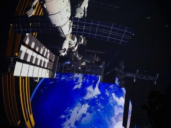 В планетарии Волгограда начала работать уникальная полнокупольная система