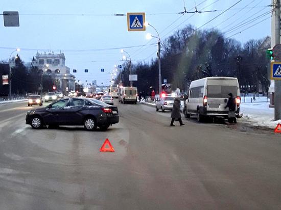 В Иванове в ДТП с участием «маршрутки» травмы получила пенсионерка