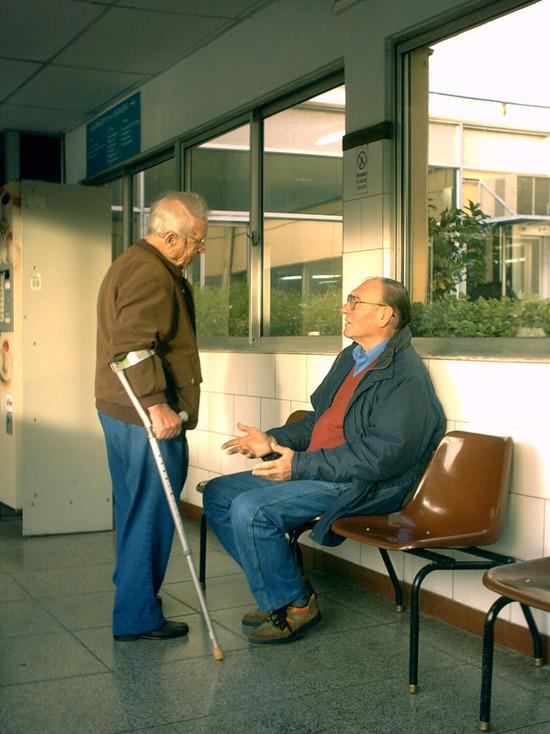 В Оренбурге обещают разобраться с очередями в больницах