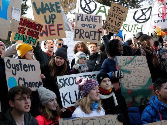 Больше половины жителей ведущих стран признали вред капитализма