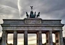Соратник Меркель потребовал отмены антироссийских санкций