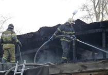 В Хакасии из-за оставленной горячей золы чуть не сгорела вся улица