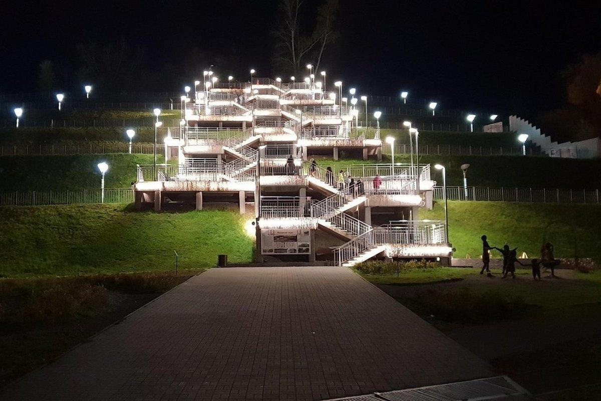 картинки в барнауле светящиеся лестницы на гору место самый