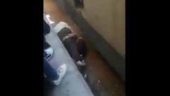 Египтянин закрыл собой ребенка от приближающегося поезда: видео