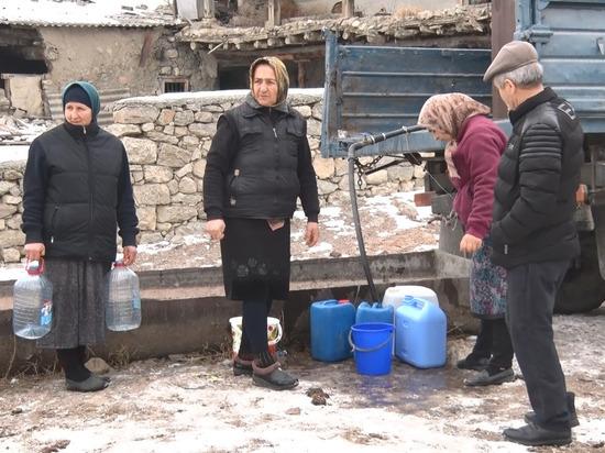 В суровую зиму жители села Харахи Хунзахского района оказались без жизненно необходимого – без водоснабжения