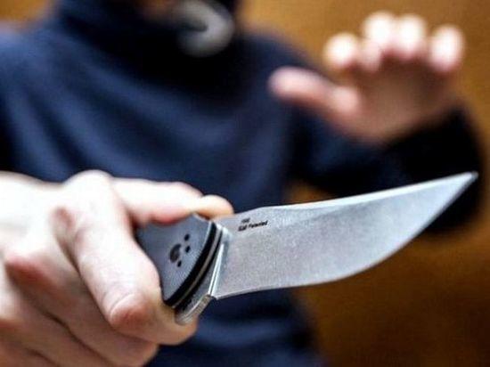 Чебоксарец дважды ударил женщину ножом на глазах у ее дочери
