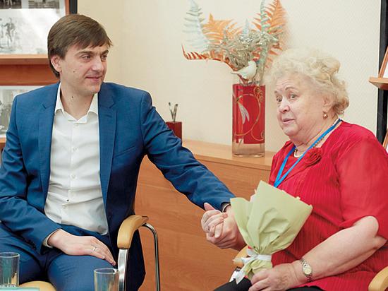 Министр просвещения Кравцов пообещал сохранить классным руководителям региональные выплаты