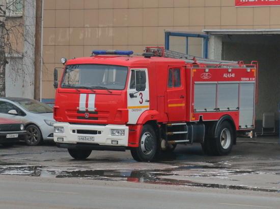 В Смоленске кто-то поджег ворота гаража на Нижне-Лермонтовской
