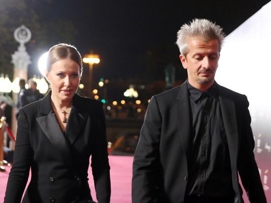Богомолов растрогал интернет нежным фото с женой Собчак