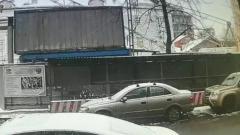 Момент падения крана в центре Москвы попал на видео
