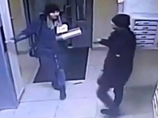 """Житель Новосибирска зарезал беременную женщину: """"Бил в живот"""""""