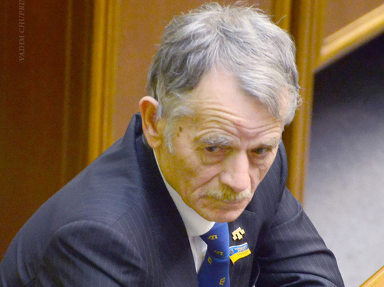 """Джемилев предложил отправить в поход на Крым """"тех, кто уже пожил"""""""