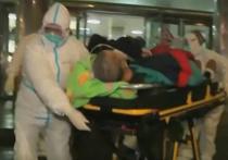 Вирусолог оценил видео замертво падающих китайцев