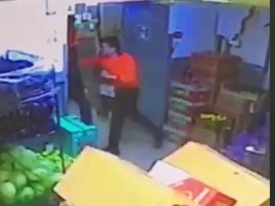 Посетитель супермаркета умер от разрыва селезенки