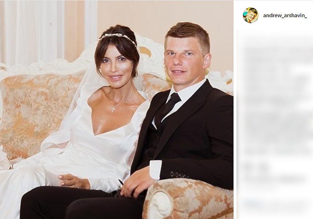 Аршавин уведомил экс-супругу Алису Казьмину о выселении: фотожалоба