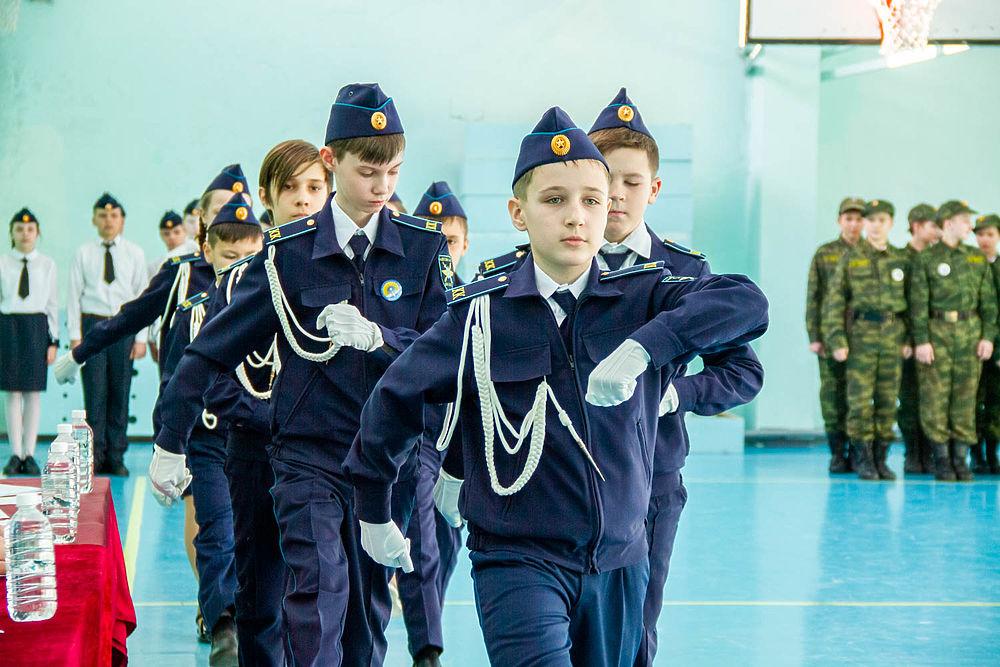 """Автомат и строевая - это армия такая: как пятиклашки Хабаровска """"играют"""" в """"Патриот"""""""