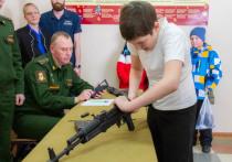 Хабаровские пятиклашки сразились в военно-спортивной