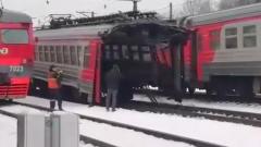 Подмосковную электричку разорвало пополам: видео с места происшествия
