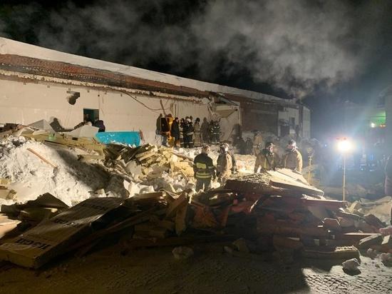 В Новосибирском Академгородке обрушилась крыша кафе, есть погибшие