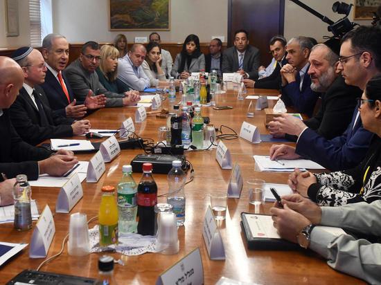 Правительство Израиля обсудило меры борьбы с коронавирусом