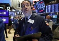 Торговая сессия в понедельник утром на рынках акций материкового Китая начались с резкого падения котировок