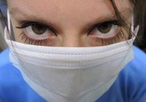 Маски от коронавируса подорожали в десятки раз: власти не справляются